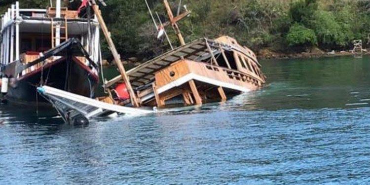 Banyak Kapal Wisata di Labuhan Bajo Dibiarkan Rusak & Tenggelam